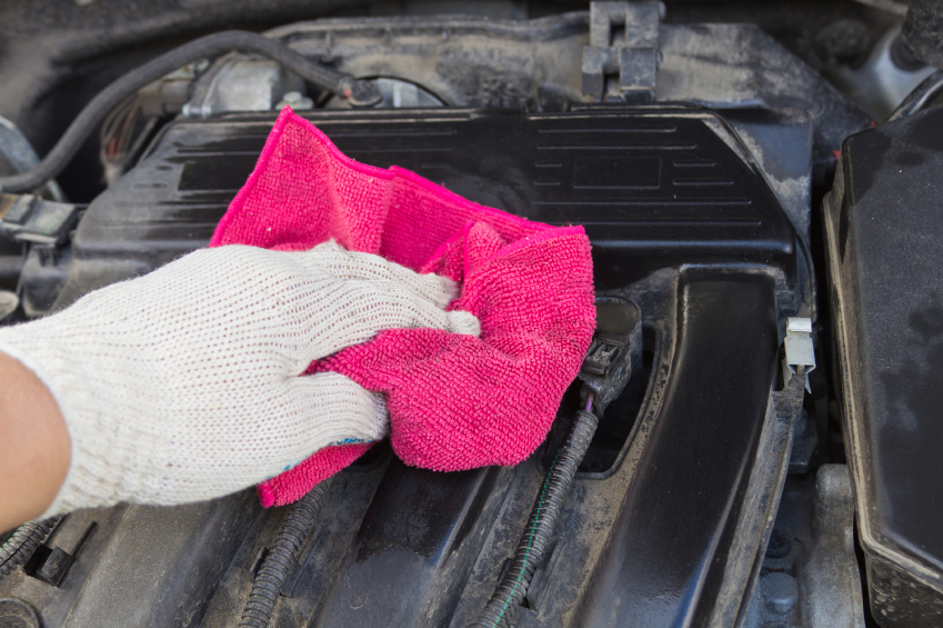 How to clean your car engine