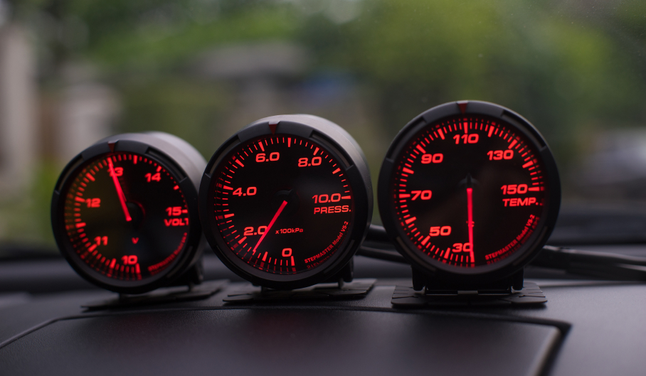What gauges should I put in my car